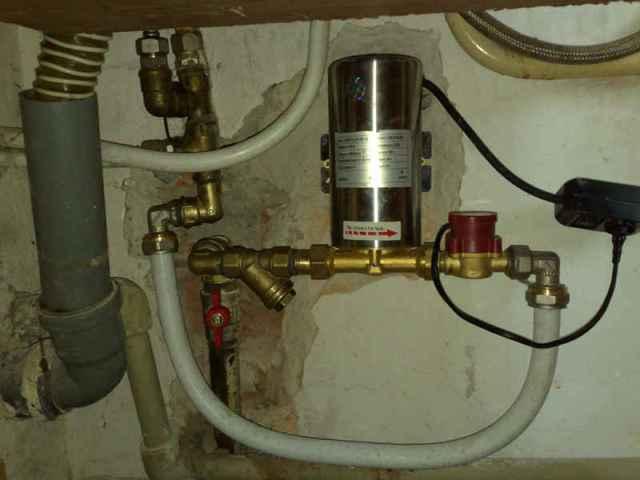 Повысительный насос в системе водоснабжения
